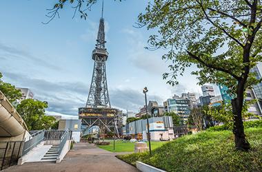 久屋大通公園「レイヤードヒサヤオオドオリパーク」がすぐ近く。