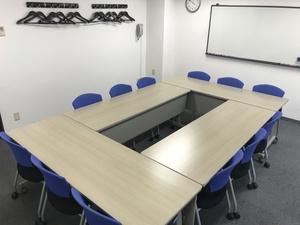 【大会議室】12名様用のお部屋です
