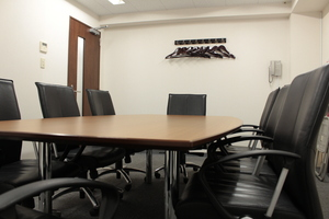 中会議室2(最大8名様)