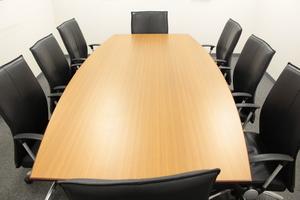 ※4~12名用の各サイズ会議室がございます。